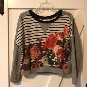 Xhilaration flowered sweatshirt